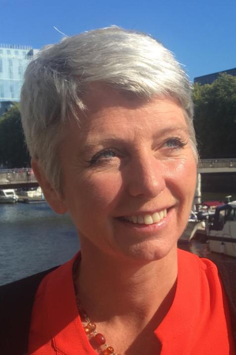 Wendy Stephenson (Group CEO)
